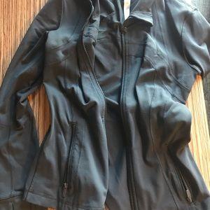 Lulu lemon jacket size 6